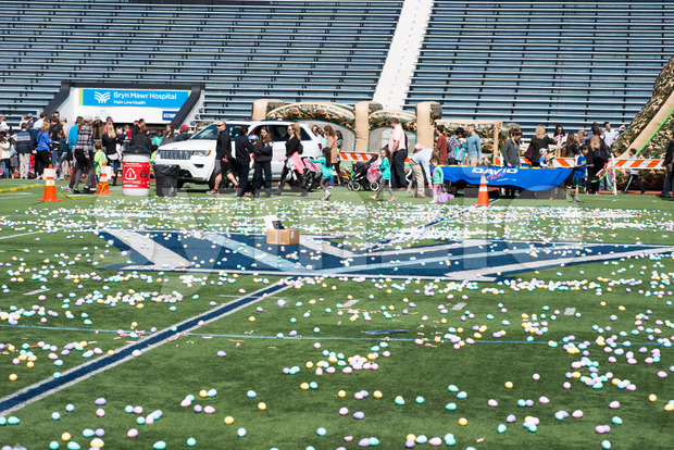 2 April 2017 Villanova, PA - Radnor Township hosts Easter Egg Hunt at Villanova University Football Stadium Stock Photo