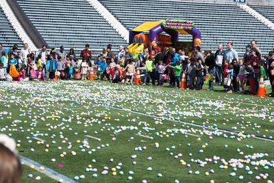 2 April 2017 Villanova, PA - Radnor Township hosts Easter Egg Hunt at Villanova University Football Stadium Stock Photo