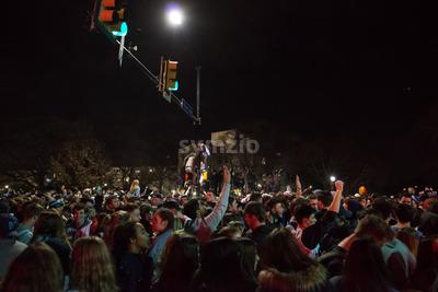 Villanova, Pennsylvania, USA. 2nd Apr, 2018. Students and fans celebrate Villanova University Men's Basketball team winning the NCAA championship Stock Photo